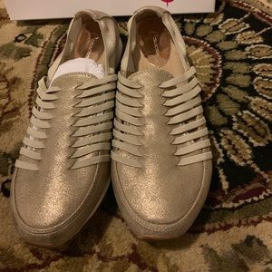 Glittery golden comfortable shoes